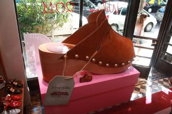 Zapato en gran escala para Circuito Gulliver