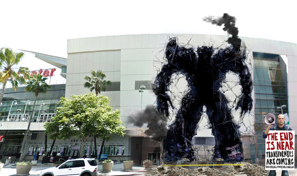 Un Transformer atacó el Staples Center de Los Ángeles