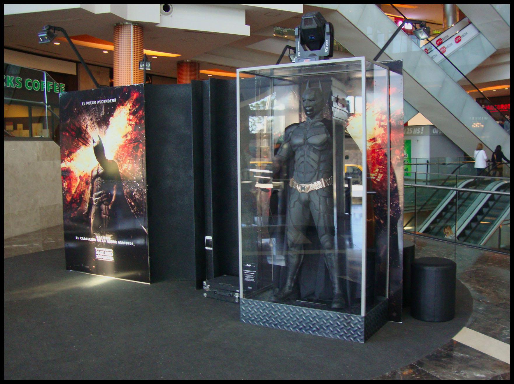 Traje Original de Batman en el DOT Baires Shopping